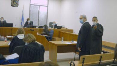 صورة نتنياهو امام القضاء