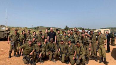 صورة حزب الله يتحدى الاسرائلين بطريقة جديدة