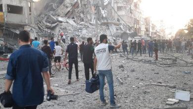 صورة ١٠٧ الاف نازح من قطاع غزة جراء القصف
