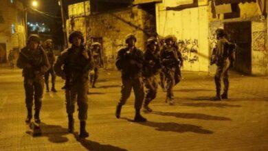 صورة حملة اعتقال ودهم في عدد من مدن الضفة الغربية المحتلة